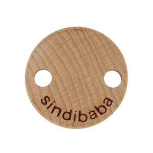 Frontansicht eines SINDIBABA-Befestigungs-Clips aus Buchenholz mit Metallklemme (90003)