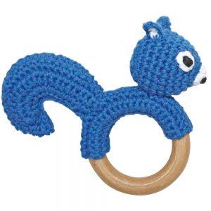 Eichhörnchen-Rassel auf Greifring aus Holz (Blau) Gehäkeltes Greifspielzeug