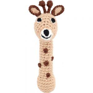 Gehäkelte Baby-Stabrassel mit Giraffen-Motiv