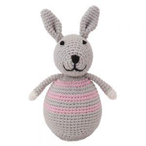 Stehauffigur Kaninchen BIBI, gehäkelt, mit Glöckchen (rosa)