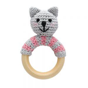Häkel-Rassel auf Greifring aus Holz – Katze KITTY (grau-rosa)